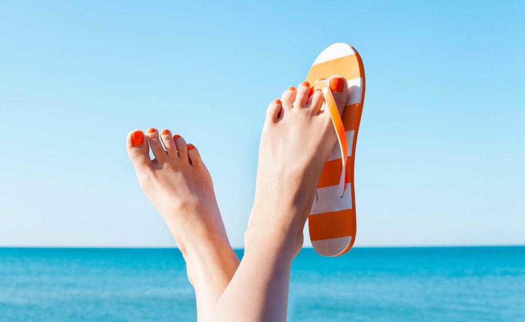 Cómo proteger y cuidar tus uñas en verano